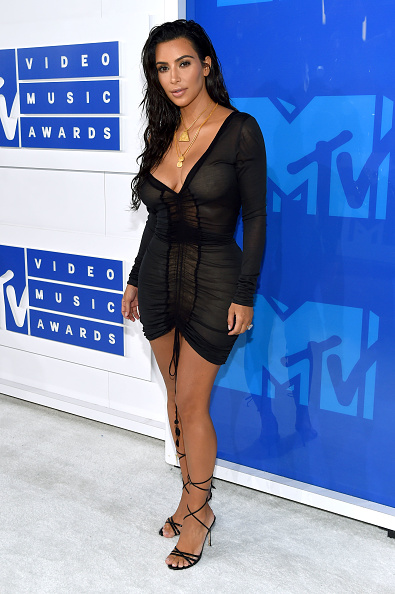 黒「2016 MTV Video Music Awards - Red Carpet」:写真・画像(8)[壁紙.com]