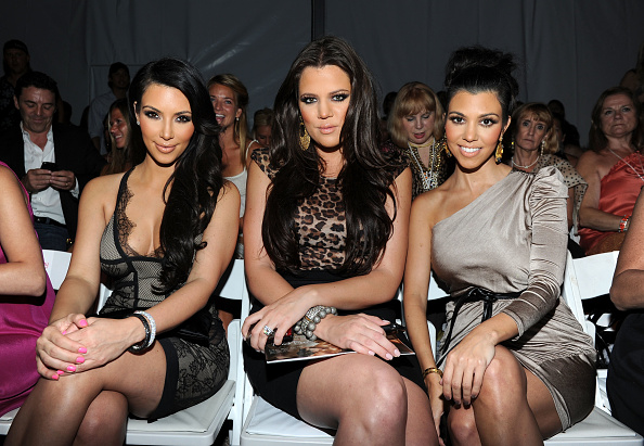 Kim Kardashian「Mercedes-Benz Fashion Week Swim 2011 Official Coverage - Atmosphere Day 2」:写真・画像(13)[壁紙.com]