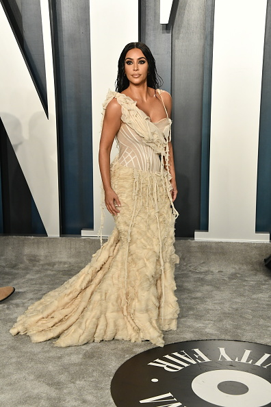 Kim Kardashian「2020 Vanity Fair Oscar Party Hosted By Radhika Jones - Arrivals」:写真・画像(10)[壁紙.com]