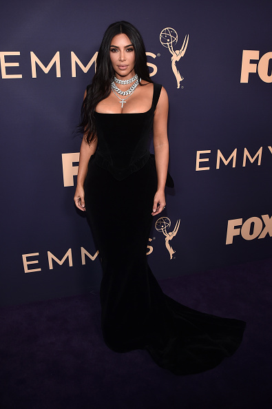 Kim Kardashian「71st Emmy Awards - Executive Arrivals」:写真・画像(18)[壁紙.com]