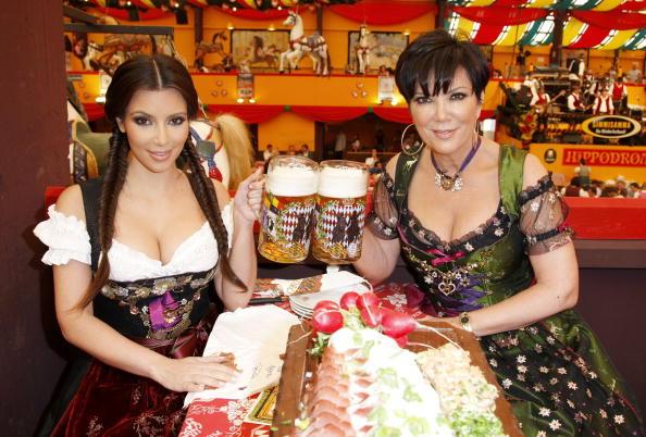 Beer - Alcohol「Kim Kardashian Visits Munich」:写真・画像(10)[壁紙.com]