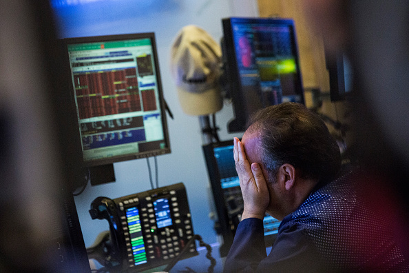 Andrew Burton「Stocks Drop Sharply On Economic Data From China」:写真・画像(8)[壁紙.com]