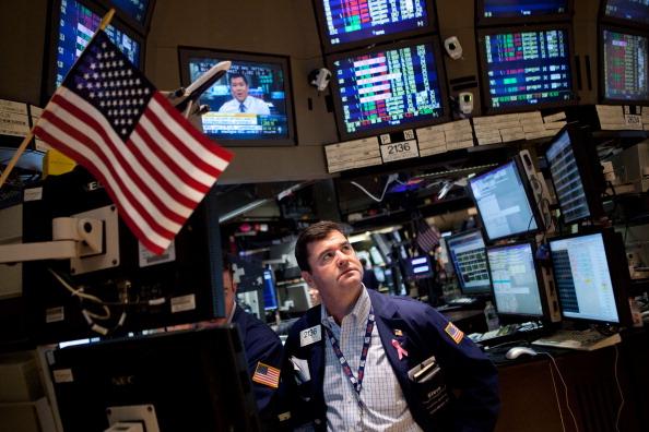 Andrew Burton「Markets Keep A Wary Eye On Debt Crisis Negotiations」:写真・画像(0)[壁紙.com]