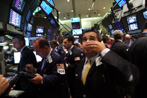 Dow Jones Industrial Average「Wall Street Reels As Major Financial Companies Face Crisis」:写真・画像(8)[壁紙.com]