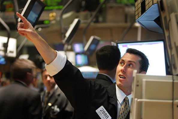 Dow Jones Industrial Average「Dow Jones Passes 12,000 Mark For The First Time」:写真・画像(2)[壁紙.com]