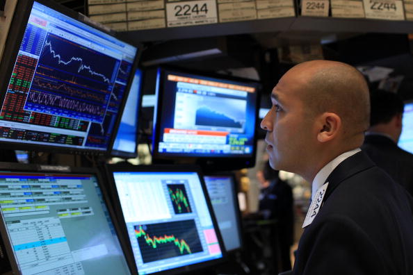 Finance and Economy「Markets React Negatively Towards Employment Report, Dow Sinks Below 10,000」:写真・画像(17)[壁紙.com]