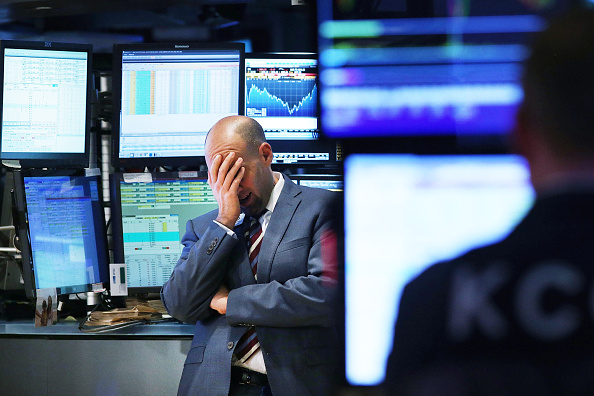 Trading「Dow Jones Industrial Average Dives Sharply Downward」:写真・画像(1)[壁紙.com]