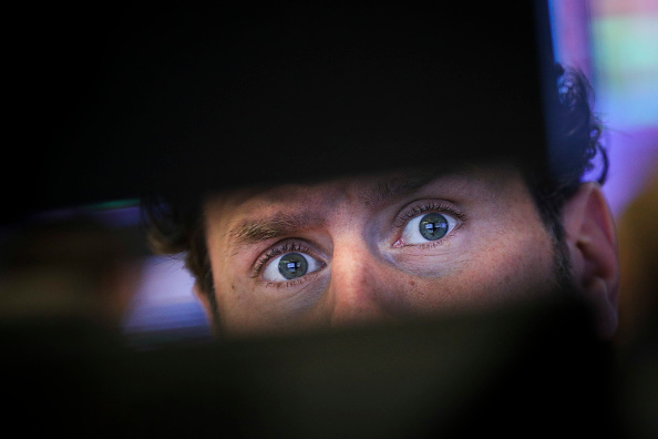 Desk「Dow Plunges Over 600 Points As Tech Sector Continues To Rattle Markets」:写真・画像(19)[壁紙.com]