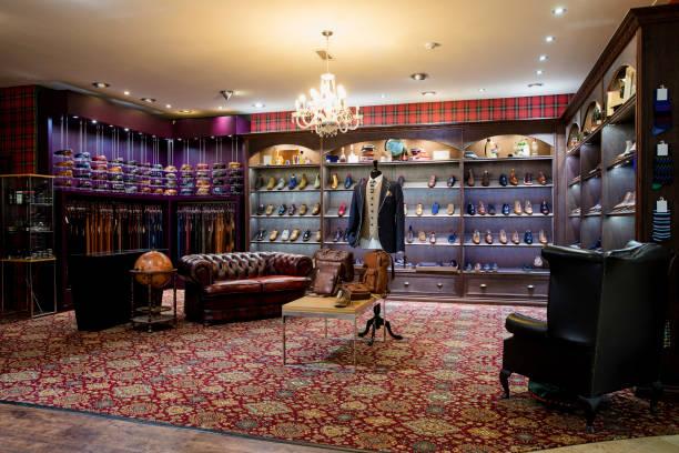 Luxury Clothing Shop for Men:スマホ壁紙(壁紙.com)