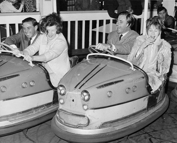 Holiday - Event「Graham Hill and Jim Clark on Dodgem cars at Butlins, Bognor Regis, 1960s.」:写真・画像(1)[壁紙.com]