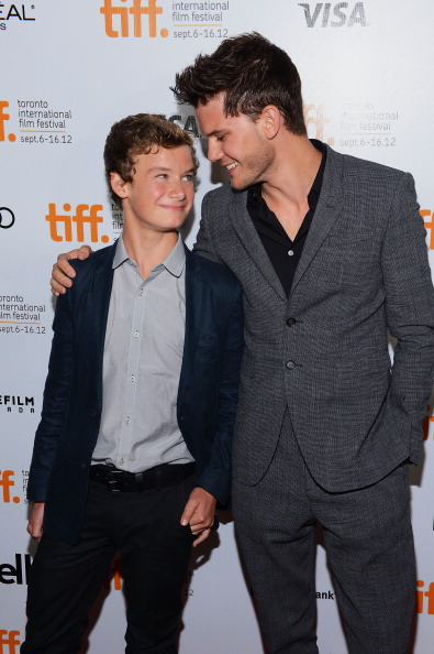 "Jeremy Irvine「""Great Expectations"" Premiere - Arrivals - 2012 Toronto International Film Festival」:写真・画像(8)[壁紙.com]"