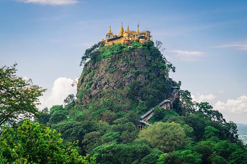 Volcano「Mount Popa Taung Kalat Monastery Myanmar」:スマホ壁紙(2)