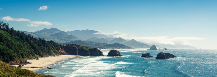 Cannon Beach「Panoramic Shot of Cannon Beach, Oregon」:スマホ壁紙(3)
