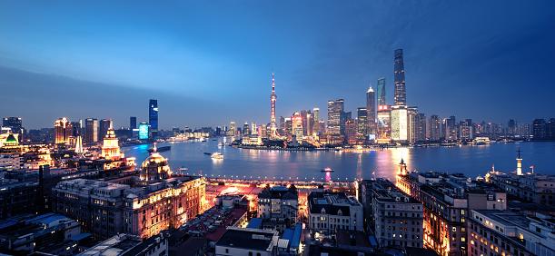 Neon「パノラマに広がる上海の街並みの眺め」:スマホ壁紙(15)