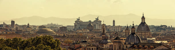 Panoramic skyline of Rome with ancient architecture at sunset:スマホ壁紙(壁紙.com)