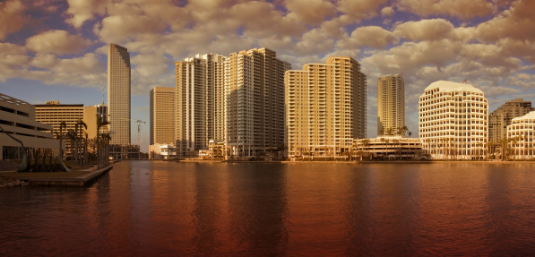 Miami Beach「夕暮れのマイアミのパノラマに広がる」:スマホ壁紙(13)