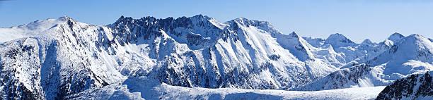 Panoramic snow mountain peak:スマホ壁紙(壁紙.com)
