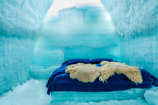 Carpathian Mountain Range「Romania, Southern Carpathians, Fagaras Mountains, room in ice hotel」:スマホ壁紙(14)