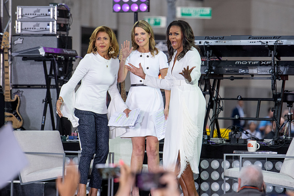 "Town Square「Michelle Obama Celebrates International Day Of The Girl On NBC's ""Today""」:写真・画像(12)[壁紙.com]"