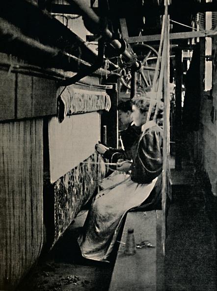 Textile「Hammersmith Carpet Weaving At Merton Abbey Works」:写真・画像(18)[壁紙.com]