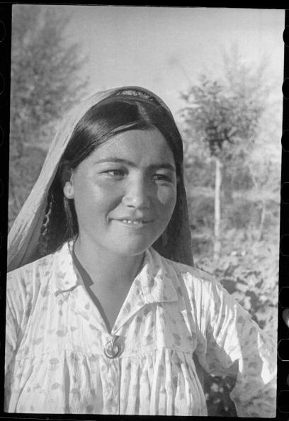 Uzbekistan「A Woman's Portrait」:写真・画像(16)[壁紙.com]