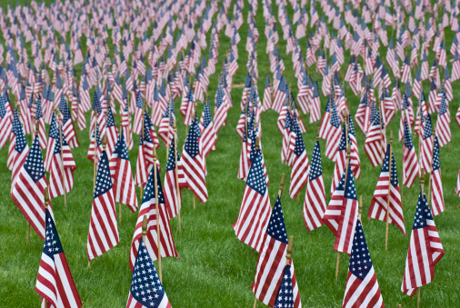 Victim「9/11 Memorial field of American flags, Weston, Massachusetts, USA」:スマホ壁紙(19)