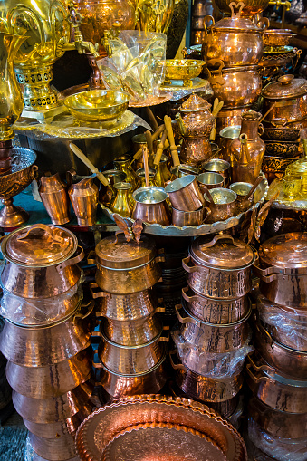 Iranian Culture「Copper items displayed at the Great Bazaar」:スマホ壁紙(13)