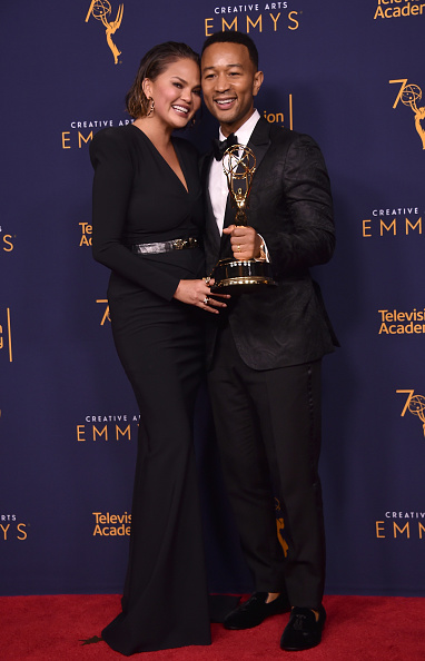 Metallic Belt「2018 Creative Arts Emmy Awards - Day 2 - Press Room」:写真・画像(11)[壁紙.com]