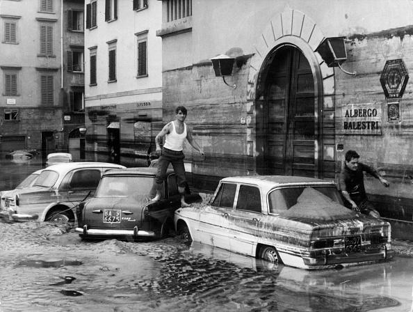 Tuscany「Pedestrian Crossing」:写真・画像(10)[壁紙.com]