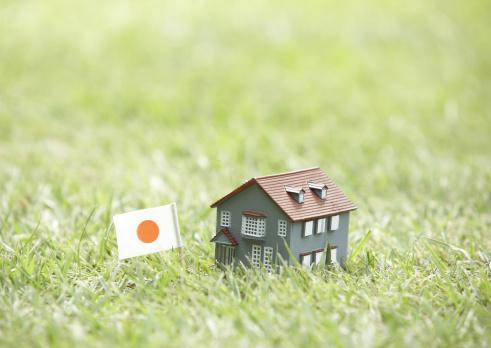 Economic fortune「Japanese flag and miniature house」:スマホ壁紙(14)