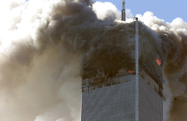Hitting「(FILE PHOTO) Authorities Release 9-11 Emergency Tapes」:写真・画像(3)[壁紙.com]