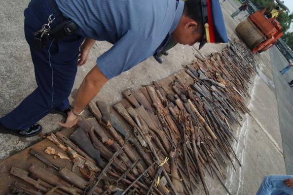 Human Arm「Guns Destroyed in the Philippines」:写真・画像(0)[壁紙.com]