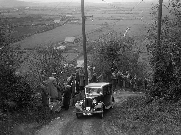 Steep「1934 Standard Ten taking part in a Standard Car Owners Club trial」:写真・画像(11)[壁紙.com]