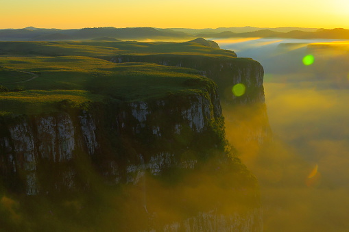 Plateau「Canyon Fortaleza valley, dramatic sunset, Rio Grande do Sul, Brazil」:スマホ壁紙(19)