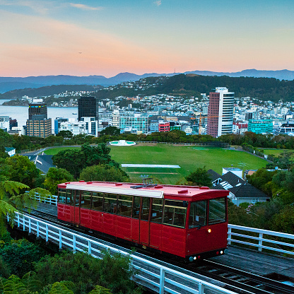 New Zealand Culture「Cable Car and Cityscape at Sunset of Wellington, New Zealand」:スマホ壁紙(14)