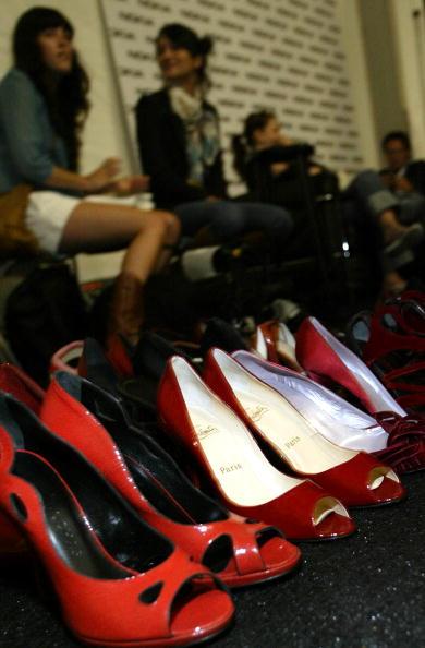 Manolo Blahnik - Designer Label「Zac Posen Spring 2005 - Backstage」:写真・画像(6)[壁紙.com]
