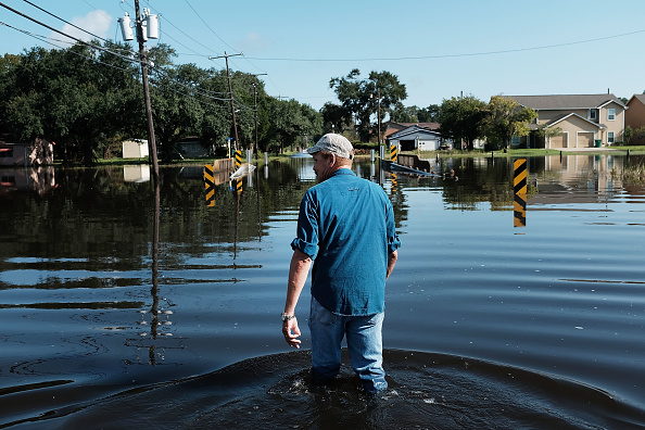 Water「Floods Hinder Recovery Efforts In Southeast Texas」:写真・画像(9)[壁紙.com]