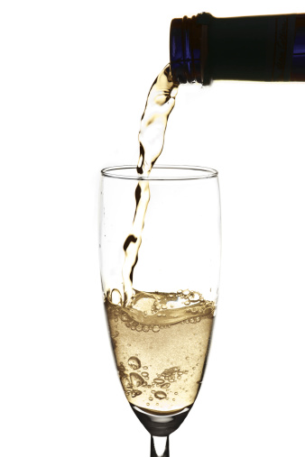 Pouring「Pouring sparkling wine into champagne flute」:スマホ壁紙(5)