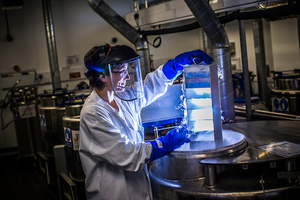 Chemical「Research Into Cancer Conducted At The Cancer Research UK Cambridge Institute」:写真・画像(7)[壁紙.com]