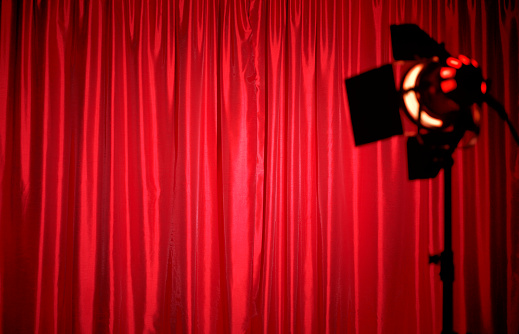 Focus On Background「Closed red silk theatre curtains with spotlight」:スマホ壁紙(0)