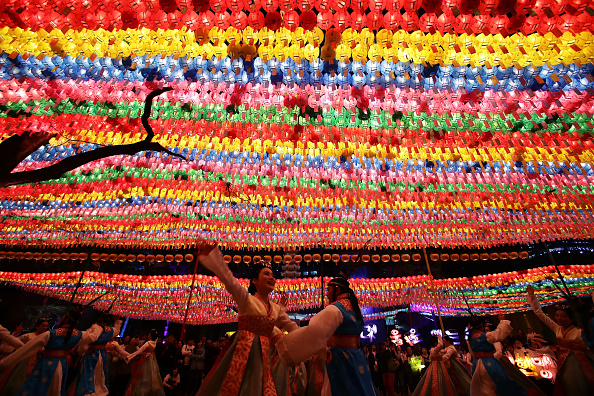 Lighting Equipment「Lantern Festival Celebrates Buddha's Birthday」:写真・画像(4)[壁紙.com]
