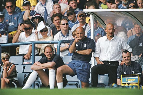 Bench「Ray Wilkins and Gianluca Vialli Chelsea v Derby Premier League 2000」:写真・画像(15)[壁紙.com]