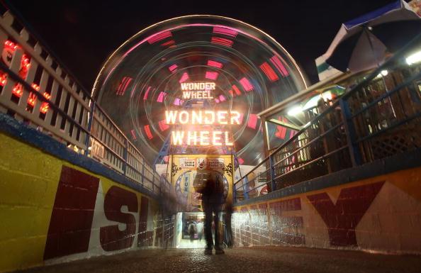 Coney Island - Brooklyn「Coney Island's New Luna Park Opens For The Summer」:写真・画像(13)[壁紙.com]