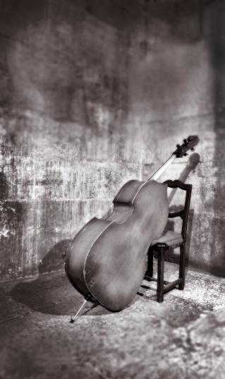 Bass Instrument「Bass leaning on chair.」:スマホ壁紙(1)