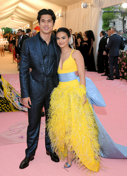 Camila Mendes「The 2019 Met Gala Celebrating Camp: Notes on Fashion - Arrivals」:写真・画像(1)[壁紙.com]