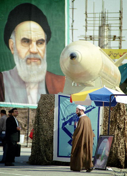 Bay of Water「Tehran Displays Shahab Missile 」:写真・画像(10)[壁紙.com]