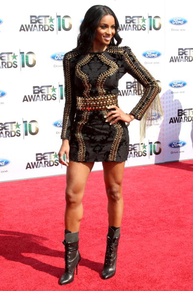 Long Sleeved「BET Awards '10 - Arrivals」:写真・画像(11)[壁紙.com]