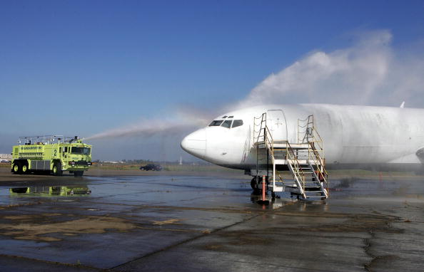Clear Sky「Airport Emergency Crews Stay Alert For Potential Disasters」:写真・画像(11)[壁紙.com]