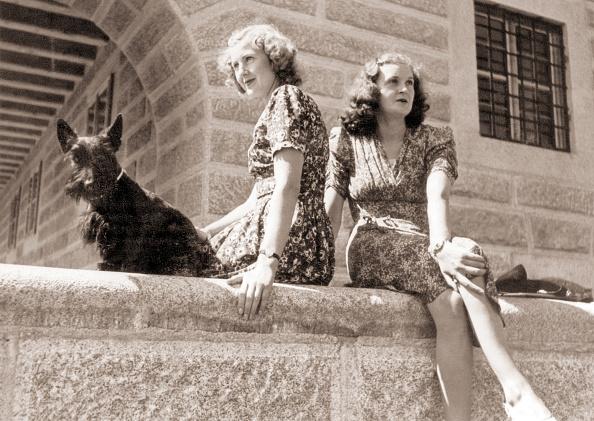 2人「Eva And Gretl Braun」:写真・画像(11)[壁紙.com]