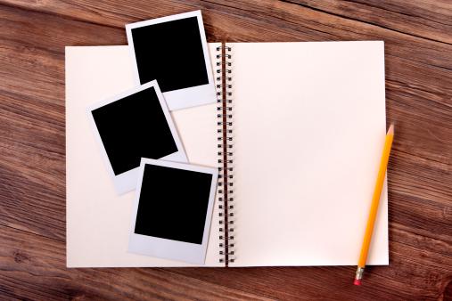 Photography Themes「Photo album with blank photo prints」:スマホ壁紙(18)